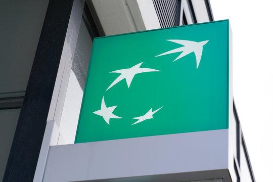 bnp paribas fortis bank sign French multinational bank
