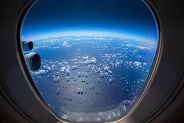 日本上空・スペースシャトルから見た地球(風)の写真