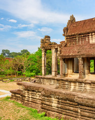 Fototapete - Side entrance to ancient complex Angkor Wat, Siem Reap, Cambodia