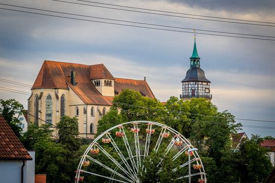 Stadtfest Backnang Stadtturm, Stiftskirche und Riesenrad steht