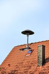 Feuerwehrsirene auf Hausdach
