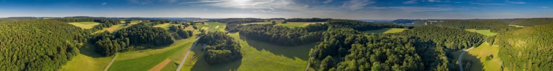 Felder, Wald und Wiesen - Landschaft - Luftbild