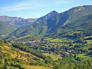 Italy, Marche, Apennine landscape around Fiastra village.