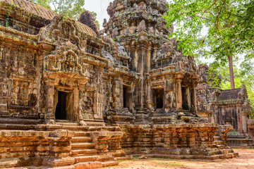 Wall Mural - Mysterious view of scenic ancient Thommanon temple in Angkor