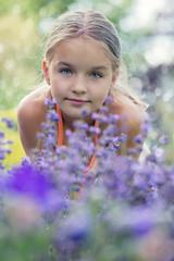 Fototapeta Lawendowa dziewczynka obraz