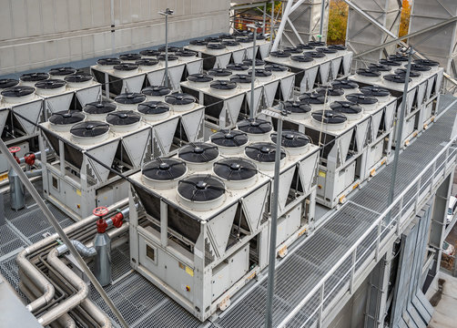Multuple air cooled water chillers installation