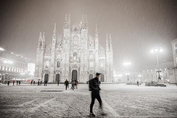 Tuinposter Milan snow in dome square, milan, italy
