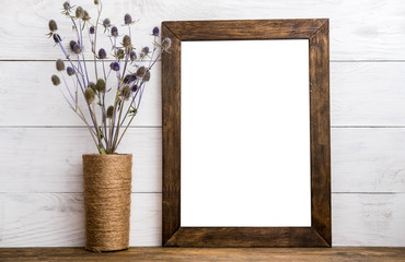 Wooden picture frame with linen