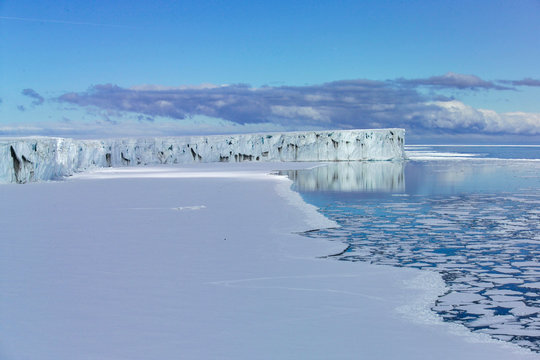 Glacier ice shelf Ross Sea Antartica