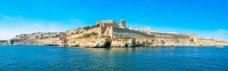 Foto auf Leinwand Blau Landscape with old Fort Saint Elmo, Valletta, Malta