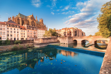 Fotobehang Oude gebouw Cityscape scenic view of Saint Stephen Cathedral in Metz city at sunrise. Travel landmarks and tourist destination in France
