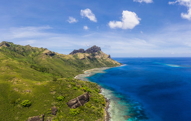 Poster Cote Wild coast of the tropical Waya island in the Yasawa islands group in Fiji in the south Pacific ocean.
