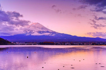 Door stickers Light pink View of the Mount Fuji from Lake Kawaguchi at dawn in Japan.