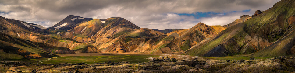 Foto auf AluDibond Insel Beautiful landscape view of landmannalaugar mountain