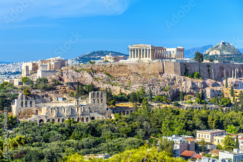 Fototapete Athens in summer, Greece. Panorama of Acropolis hill. It is a top landmark of Athens. Scenic view of Ancient Greek ruins. Landscape of old Athens city with famous Parthenon. Skyline of Athens.