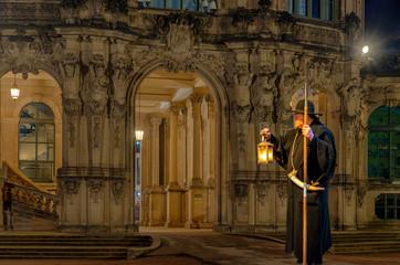 historischer Nachtwächter im Zwinger Dresden