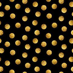 Modèle sans couture de confettis scintillant d& 39 or à pois isolé sur noir.