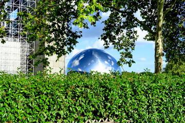 Géode brillante de la Villette. Cité des Sciences. Paris. 6/10/2019.