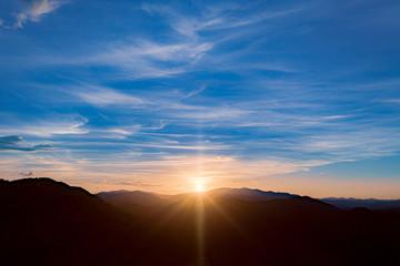 夕日 京都 サンセット 写真素材 ドローン 空撮 光芒 日没