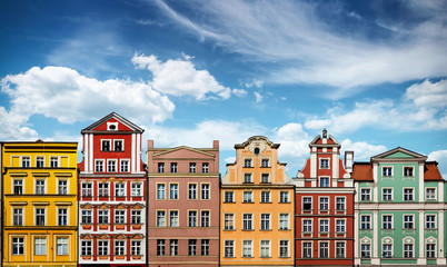 Papiers peints Con. Antique Colorful facades of historic buildings against the sky in the historic old town of Wroclaw, Poland. Architecture and historic background.