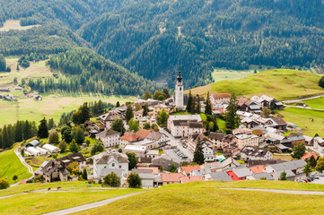 Ftan, Unterengadin, Dorf, Inn, Inntal, Wanderweg, Graubünden, Alpen, Sommer, Schweiz