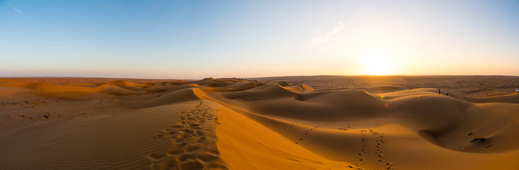 Middle East, Arabia, Sultanate of Oman, Al Raka, sand dunes of the Rimal Al Wahiba desert, in the evening light