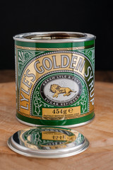Lyles Golden Syrup worlds oldest unchanged brand packaging