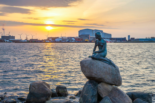 Copenhagen sunrise city skyline at Little Mermaid Statue, Copenhagen Denmark