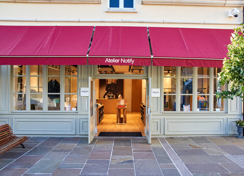 Atelier Notify boutique in La Vallee Village.