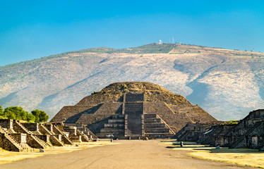 Foto auf Leinwand Altes Gebaude Pyramid of the Moon at Teotihuacan in Mexico