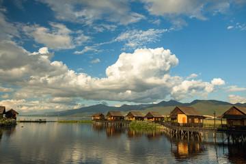 Hotel auf dem Inle See in Myanmar