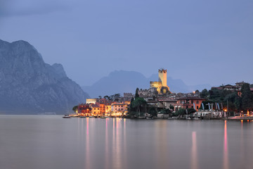 Fotomurales - Lake Garda and Town of Malcesine in the Evening, Italy