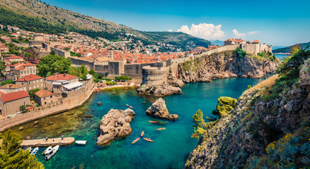 Foto op Plexiglas Kust Picturesque morning view of famous Fort Bokar in city of Dubrovnik. Panoramic summer scene of Croatia, Europe. Beautiful world of Mediterranean countries. Architecture traveling background.