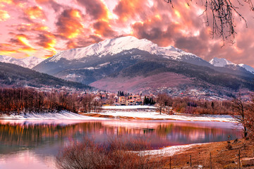 Foto auf Leinwand Rosa hell Snowy landscapes. Lake Plastira on winter. Greece.
