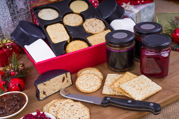 Cheese and Crackers Christmas Hamper