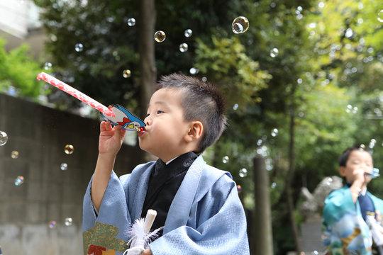 日本の七五三お詣り・男の子_08