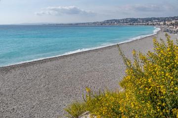 La Baie des anges à Nice sous le soleil en octobre