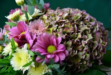 Hübscher Blumenstrauß mit Herbstblumen - Grußkarte Hortensie