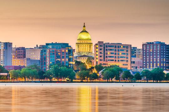 Madison, Wisconsin, USA downtown skyline