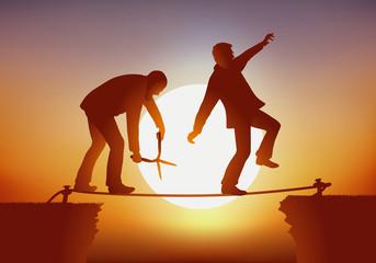 Un homme tente de franchir un obstacle en équilibre sur une corde, tandis qu'un de ses adversaires la coupe avec des ciseaux en sachant que son geste va entrainer leurs chutes.
