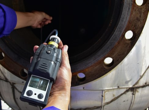 Using the gas detector for detect combustible gas , flammable gas , toxic gas and oxygen depletion in a confined spaces.