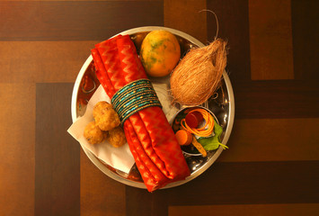 Fototapete - Thamboolam - Gifts for Puja Attendees