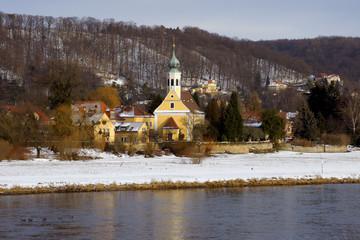 Dresden Kirche Maria am Wasser im Winter mit Schnee