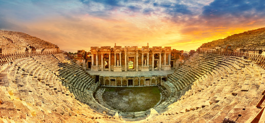 Photo sur Toile Con. Antique Amphitheater in ancient city of the Hierapolis