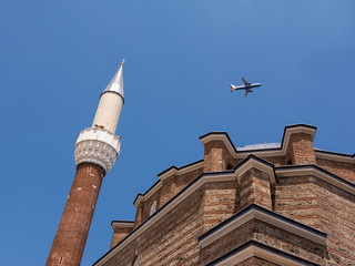 Airliner that passes over the mosque in Sofia (Bulgaria)