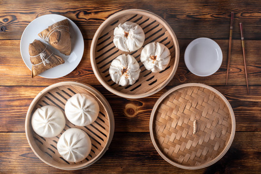chinese steamed bun in traditional bamboo steamer