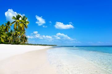 Deurstickers Strand beach and tropical sea. tropical island