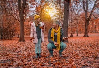 Familie Herbst Laub