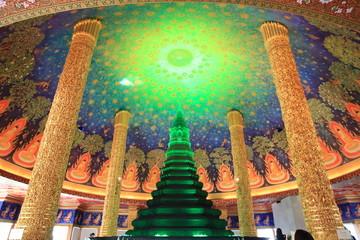 タイで有名なお寺のワット・パクナム寺院の写真