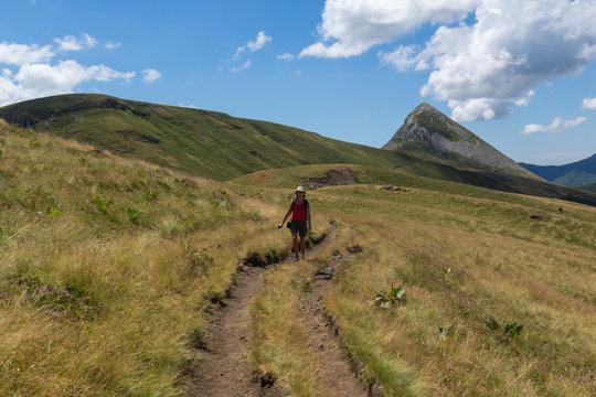 Le Puy Griou. Randonnée pédestre dans les monts du Cantal en Auvergne